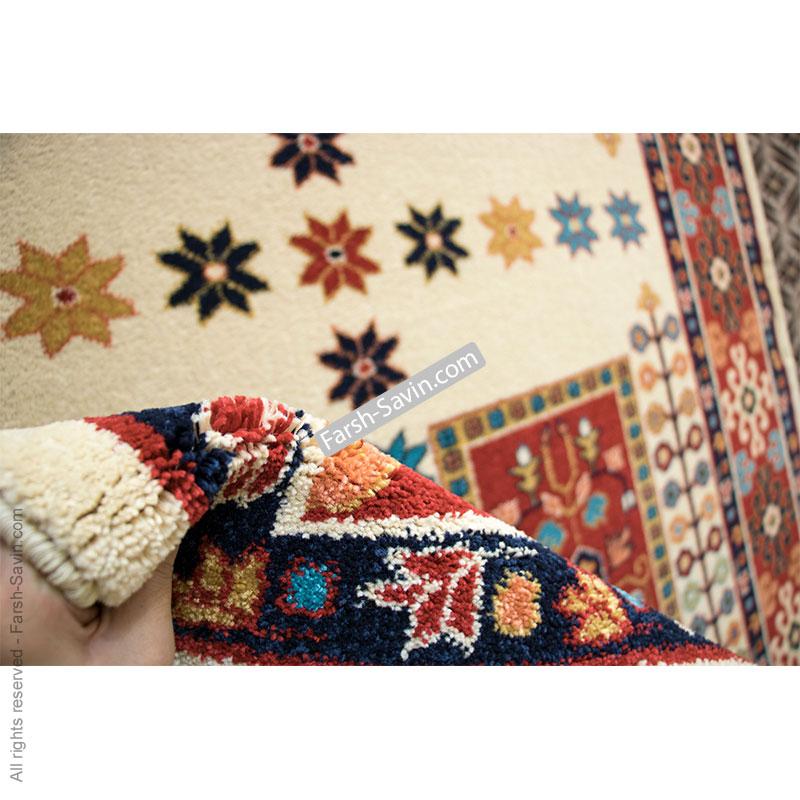 گبه ی قشقایی کرم فرش ساوین